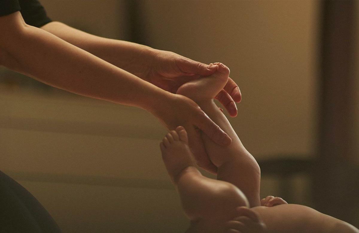 Babymassage - Signes Jordemoder og Scanningsklinik